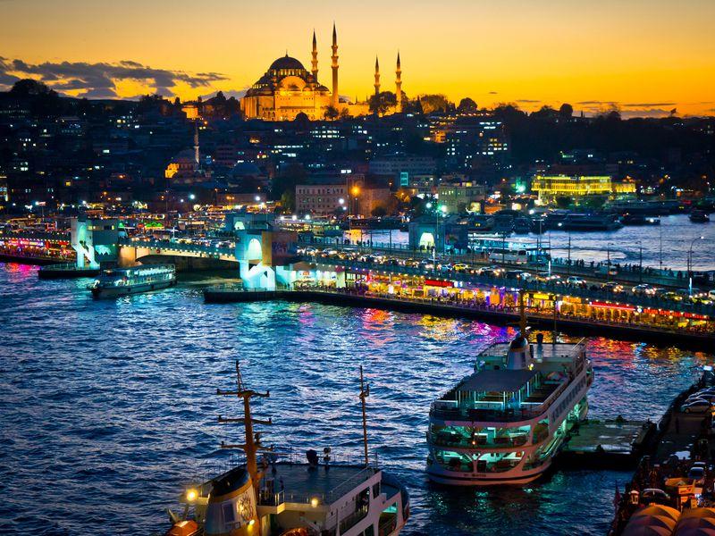 Вечерний круиз по Босфору с шоу-программой - экскурсия в Стамбуле