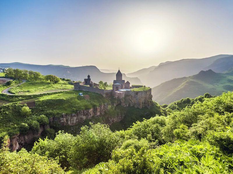 Путешествие в пещерный город и монастырь Татев - экскурсия в Ереване