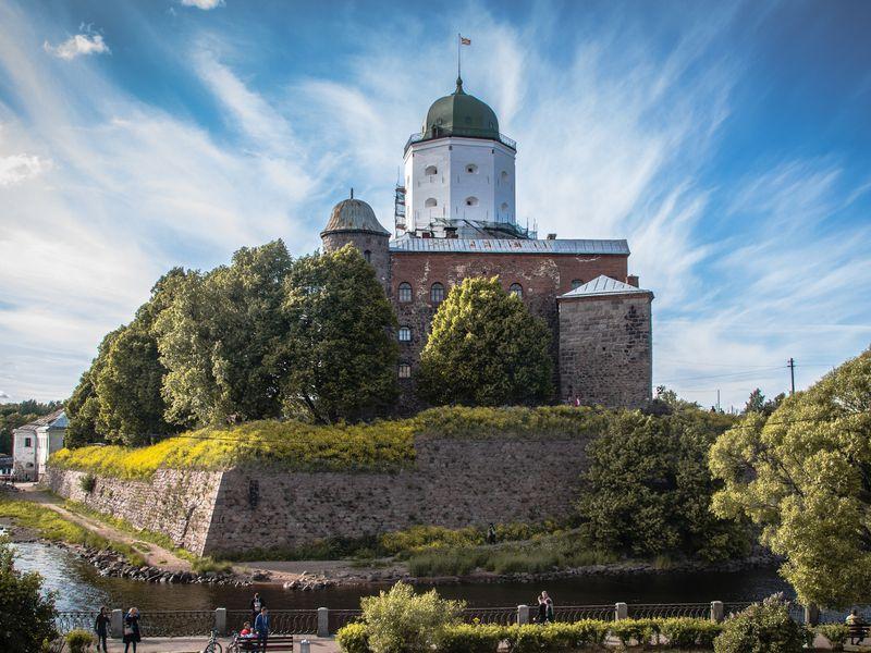ИзПетербурга— всредневековый Выборг - экскурсия в Санкт-Петербурге