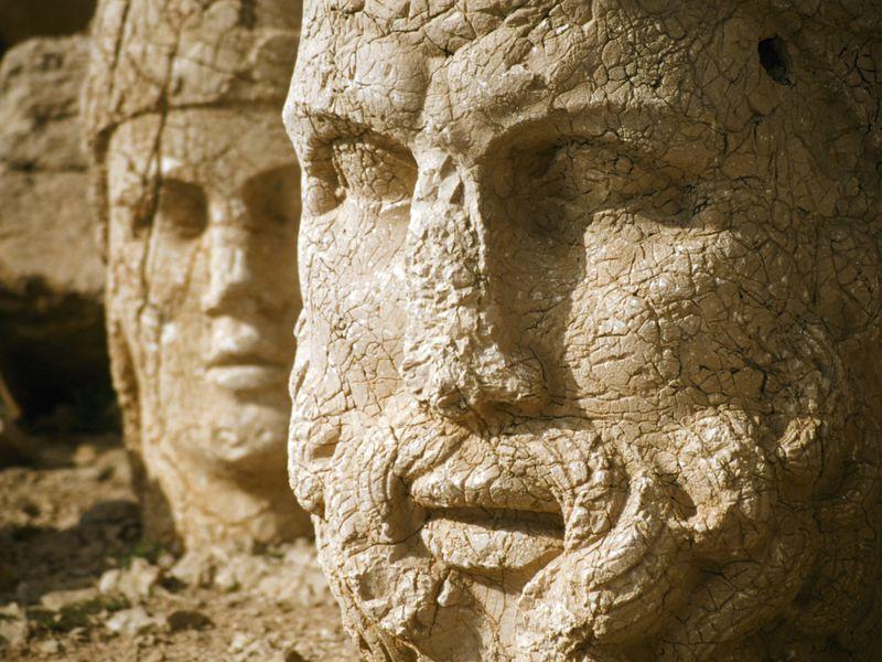 Гора богов Немрут-Даг и город пророков Шанлыурфа - экскурсия в Кемере