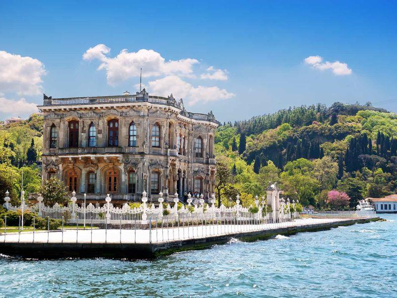 Дворцы, крепости и синие скалы Симплегады - экскурсия в Стамбуле