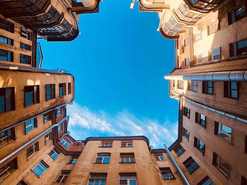 Доходные дома, дворы-колодцы ипарадные лестницы - экскурсия в Санкт-Петербурге