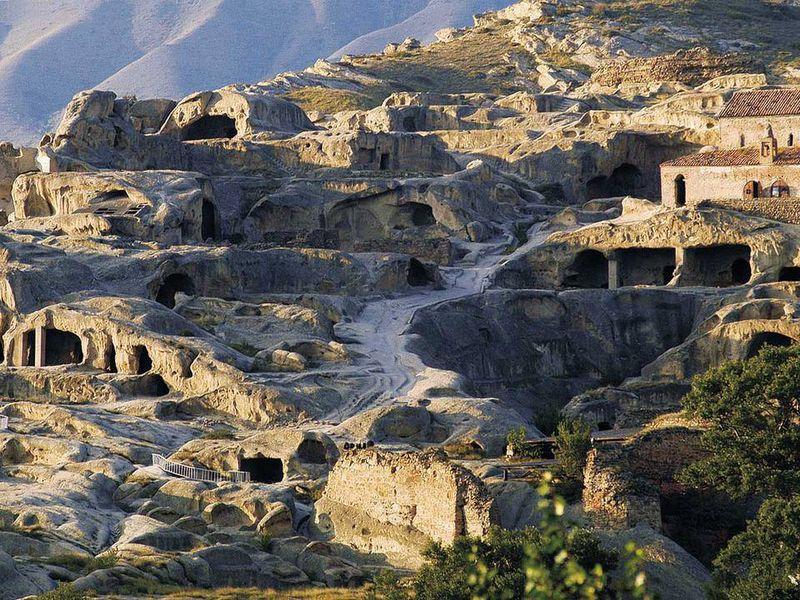 Обаятельный Тбилиси, сакральная Мцхета и пещерный Уплисцихе - экскурсия в Тбилиси