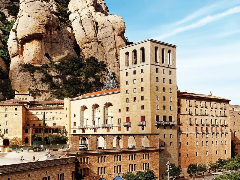 Монтсеррат и Тибидабо за один день! - экскурсия в Барселоне