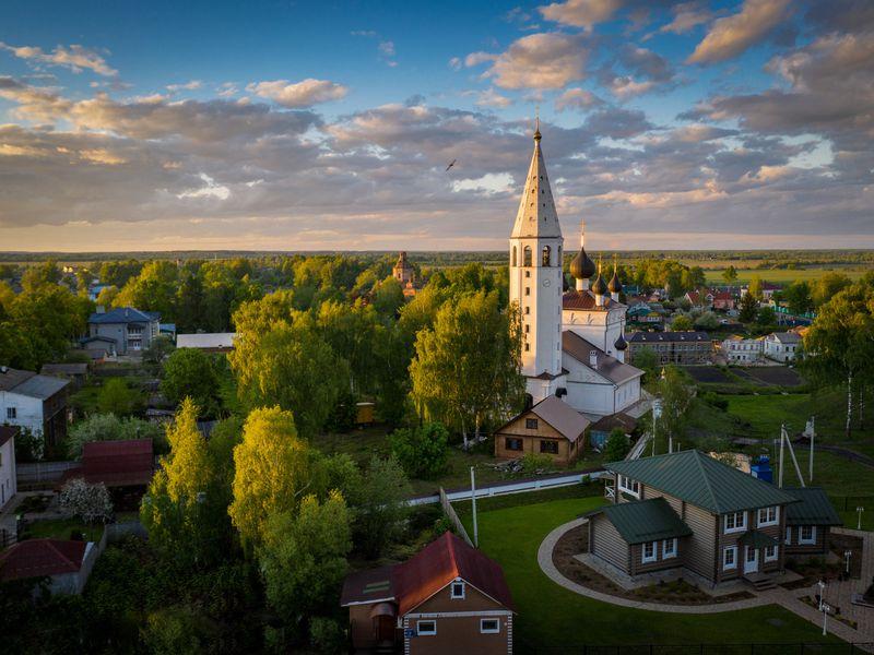 ИзЯрославля— вВятское, одну изкрасивейших деревень России - экскурсия в Ярославле