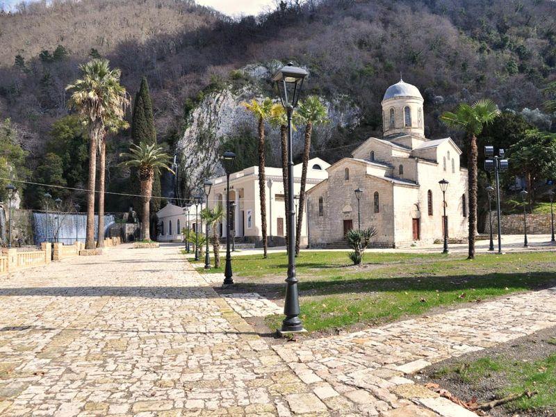 Новый Афон. Истоки христианства на Кавказе - экскурсия в Сухуме