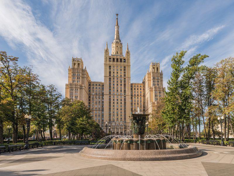 ПоСталинским высоткам - экскурсия в Москве