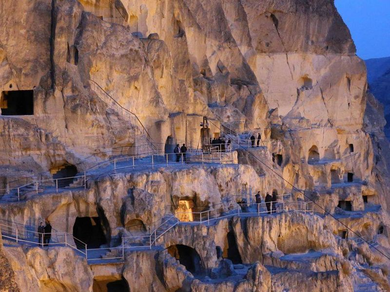 Легендарные места Грузии: Вардзия, Боржоми, Рабат - экскурсия в Тбилиси