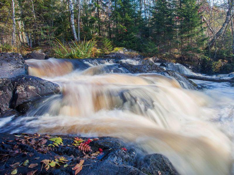 Горный парк Рускеала, Мраморный каньон и водопады Ахинкоски за один день - экскурсия в Сортавале