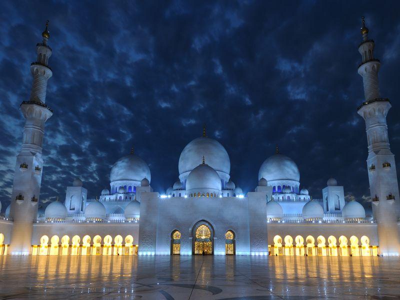 Вечерний Абу-Даби с посещением королевского дворца - экскурсия в Дубае