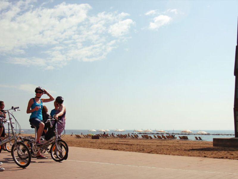 По Барселоне на велосипеде: море, парки, спорт - экскурсия в Барселоне